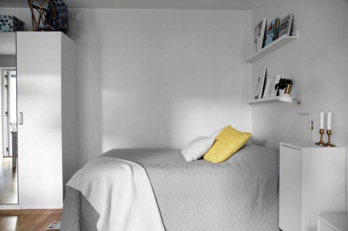 Большая кровать в маленькой квартире