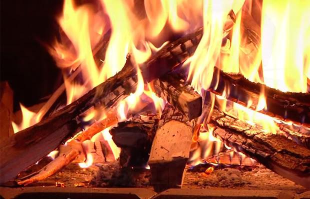 Горение дров в банной печи