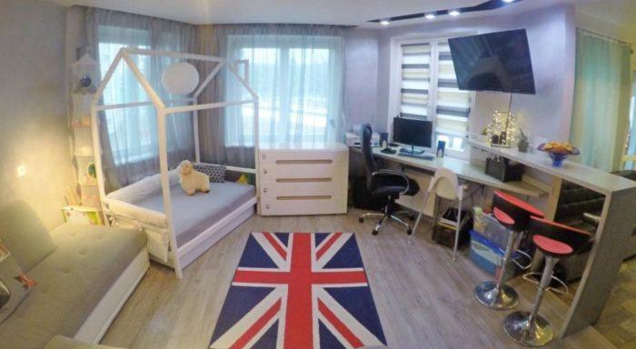 Квартира-студия с детской кроваткой