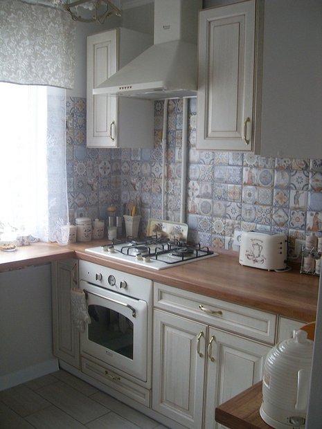 Классический дизайн кухни в хрущевке