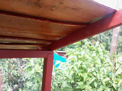 Крепление досок на крышу домика