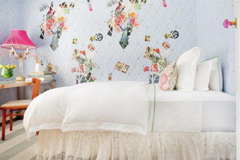 Кровать девочки-подростка