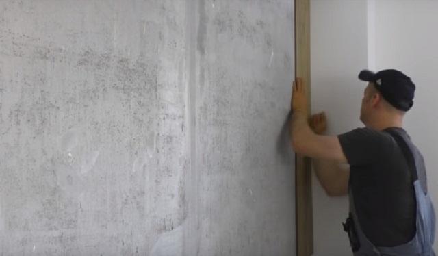 Ламель приклеивается к стене