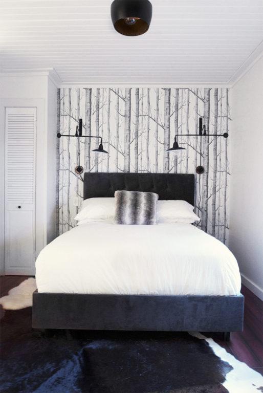 Обои с лесом в дизайне спальни