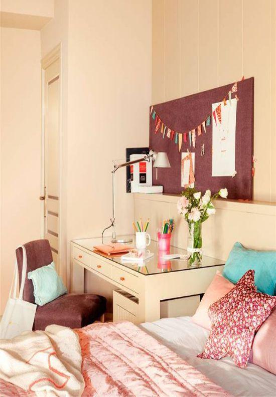 Рабочее место в комнате девочки-подростка
