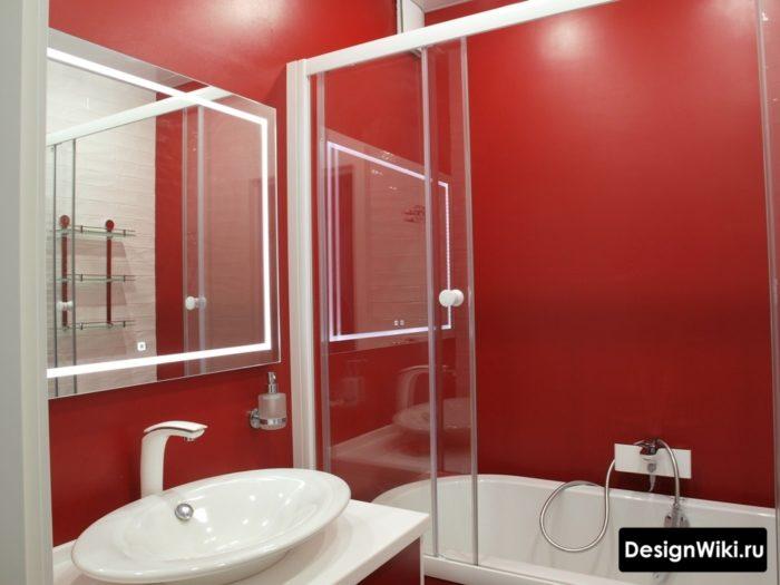 Сочетание красного и белого в ванной в хрущевке