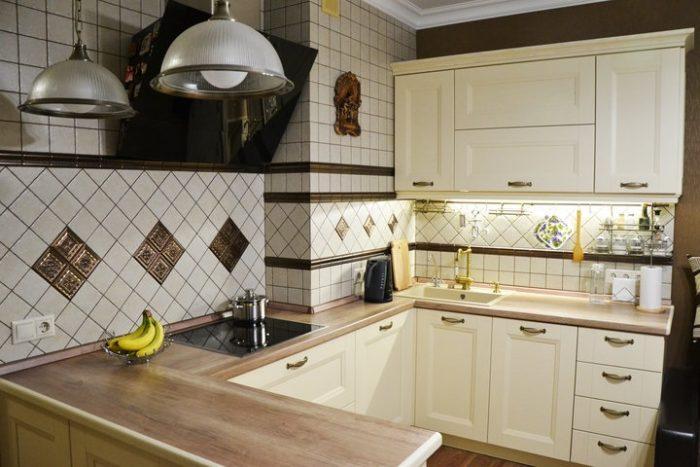 Угловой П-образный кухонный гарнитур