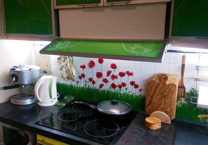 Фотоплитка или стекло для фартука кухни