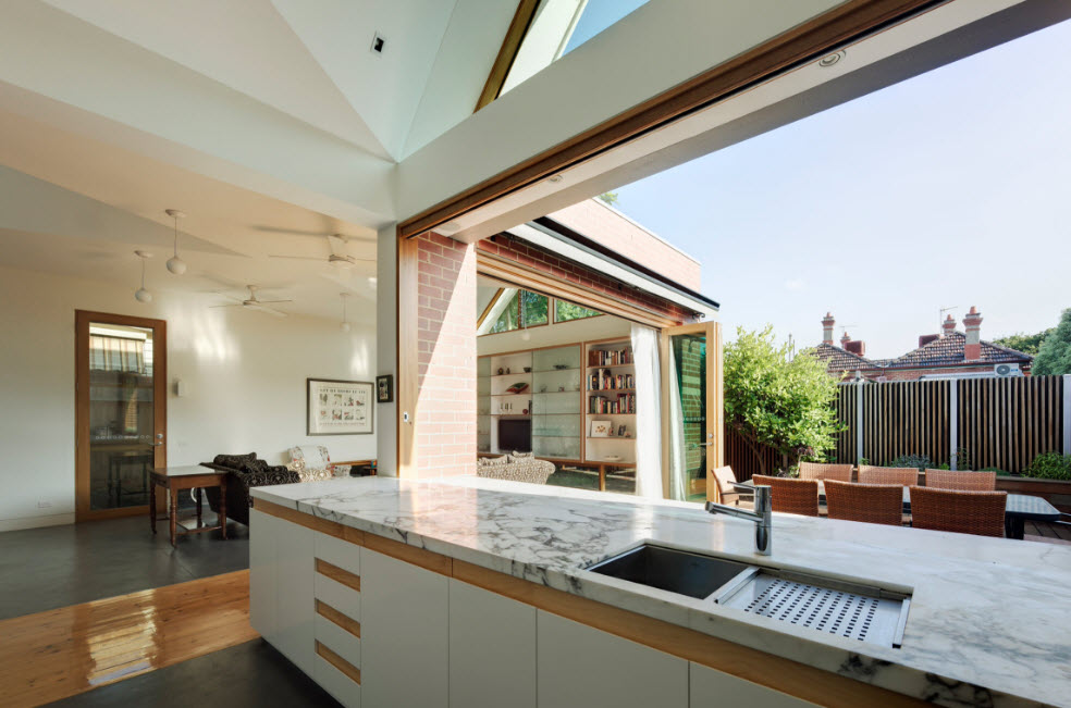 летняя кухня в дачном доме