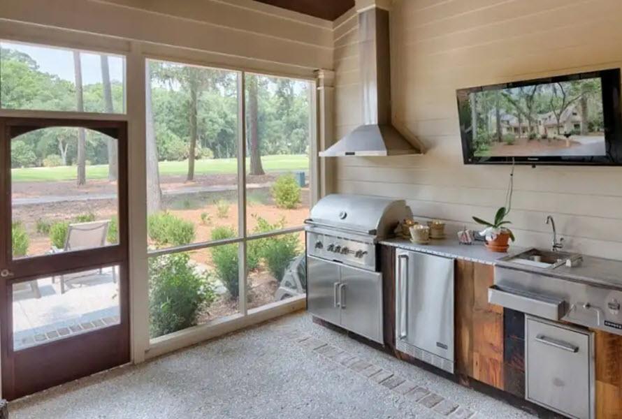 стеклянная стена летней кухни