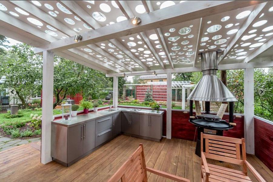стильная кухня на даче