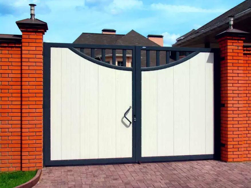 черно-белые ворота