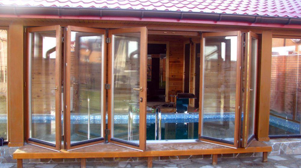 остекление веранды и террасы в деревянном доме