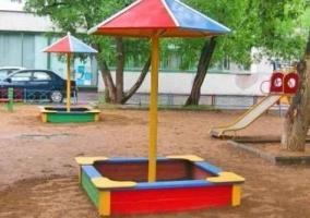 Крыша-грибок для песочницы