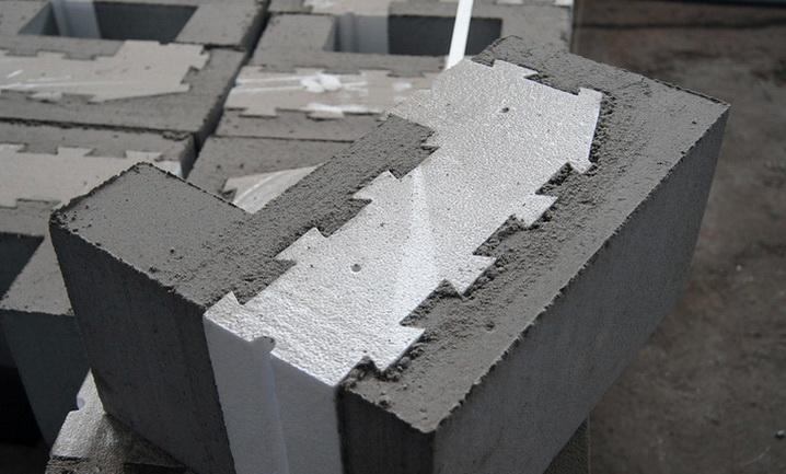 Конструкция блока с гребенчатой формой соединения