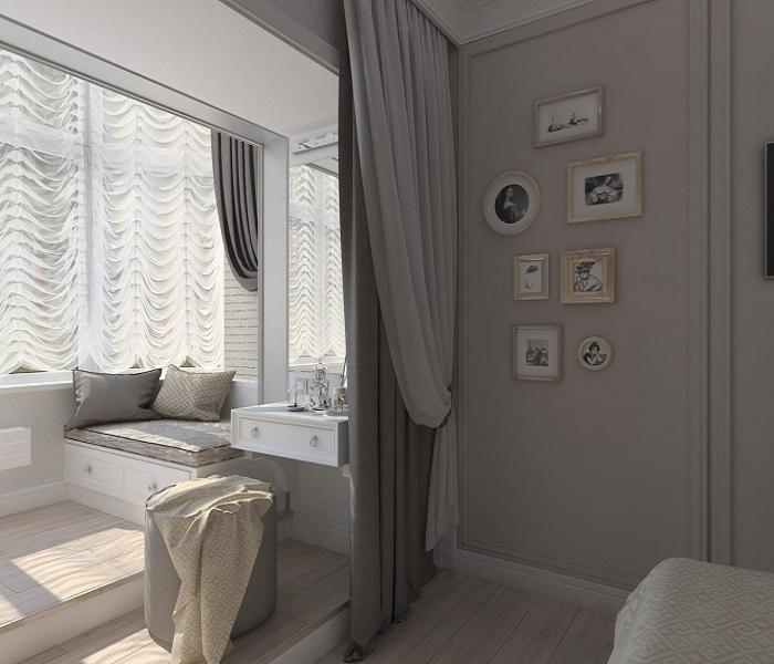 Мебель в спальне с лоджией