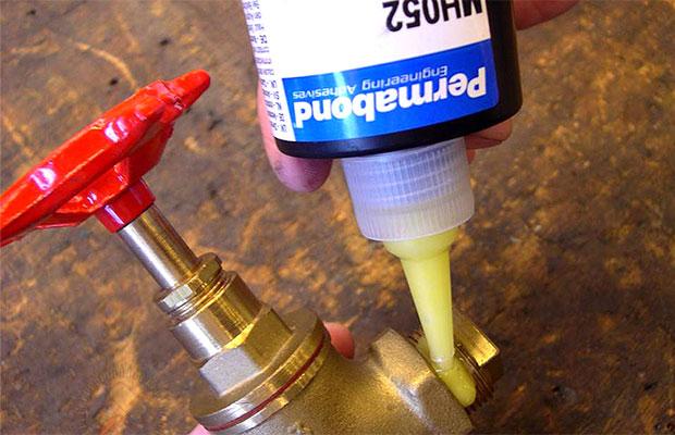 Характеристики кислотных санитарных герметиков