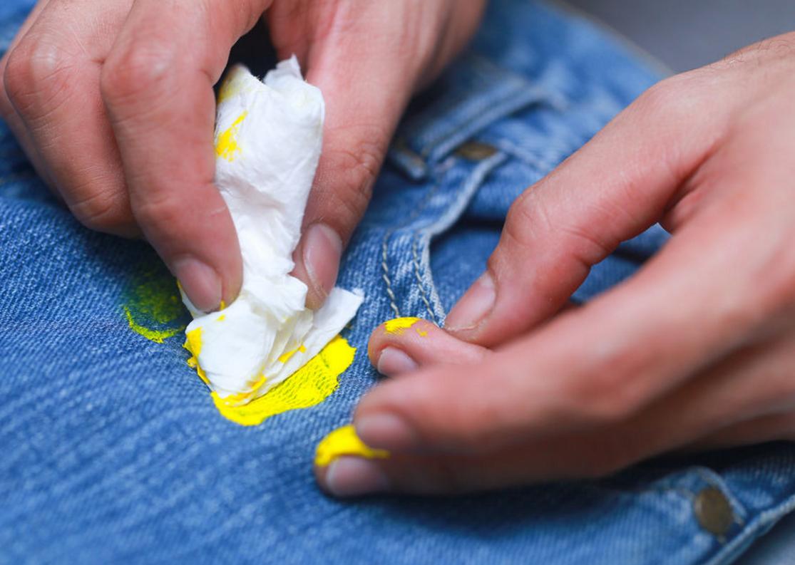Чем смыть краску с одежды