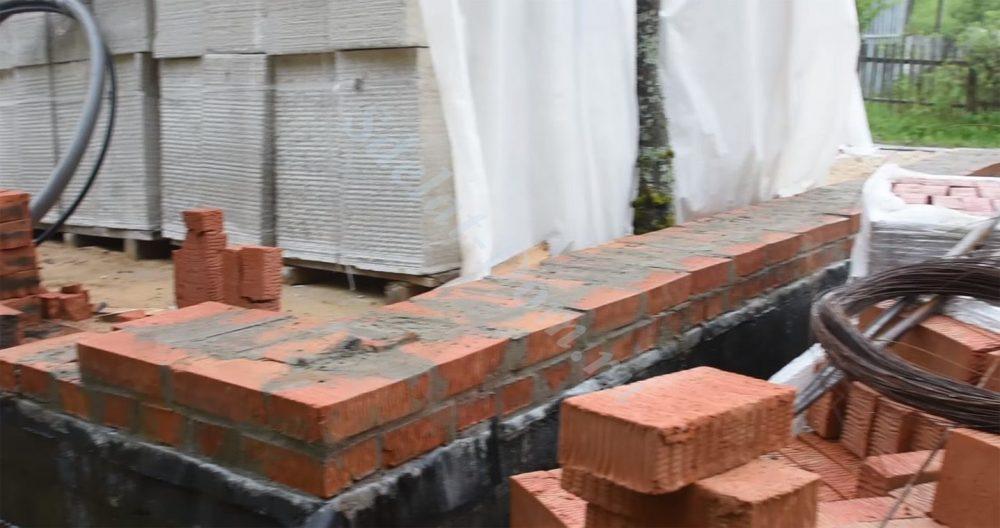 Фундамент готов - можно выкладывать стены