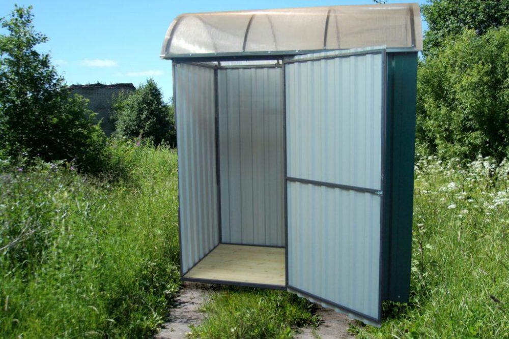 Строительство туалета из металлопрофиля: фото и характеристика