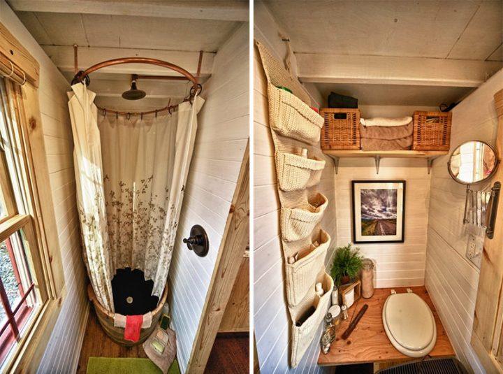 Ванная комната и туалет в маленьком деревянном доме
