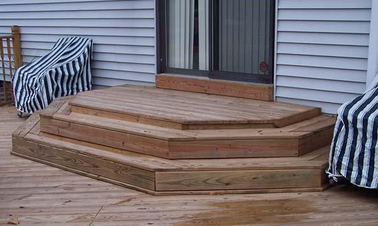 Открытое деревянное урыльцо