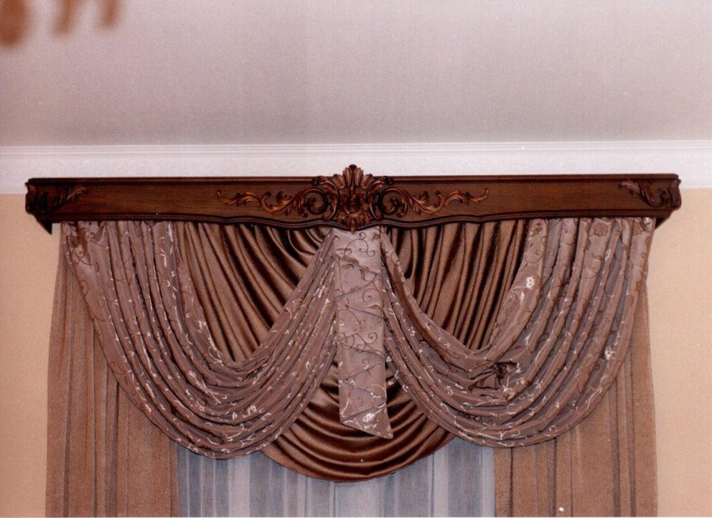 Деревянные потолочные карнизы для штор