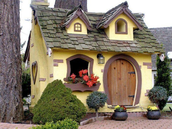 Просто сказочно-красивый детский домик