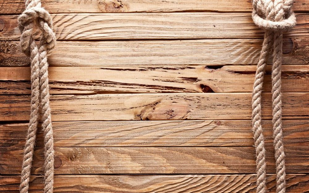 Для древесины нужен грунт с антипиренами