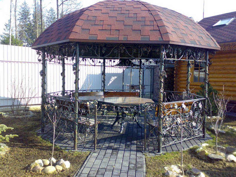 Эксклюзивное сооружение из металла