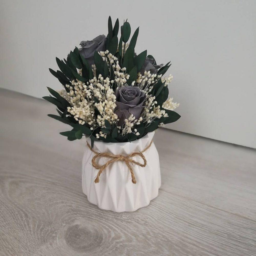 Стильный горшок для цветов
