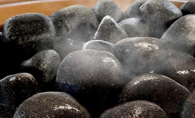 Гладкая форма для камней для бани более предпочтительна