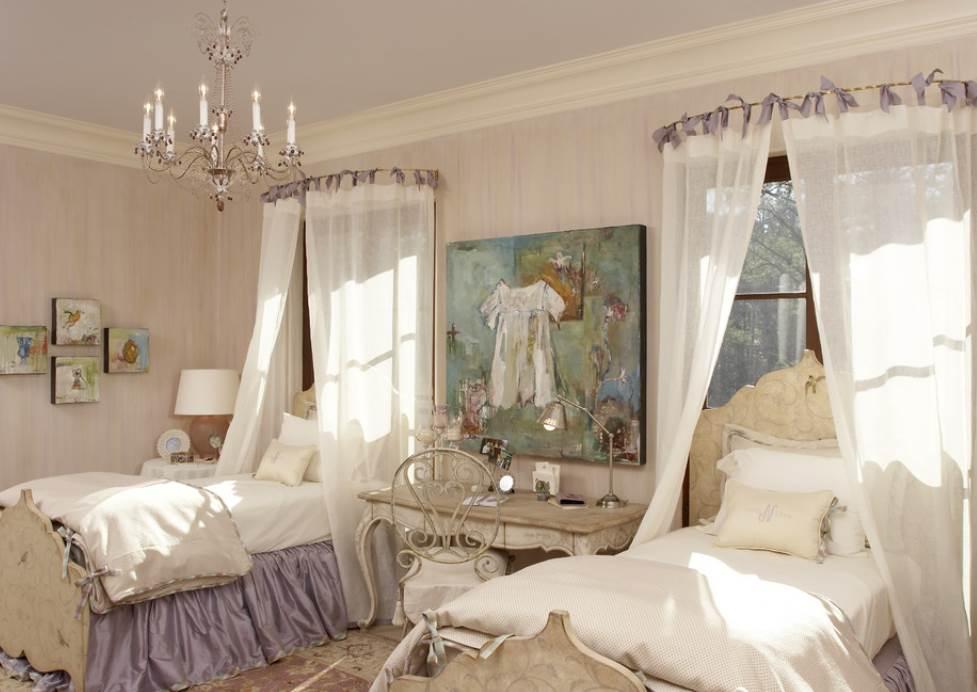Кровати с балдахинами