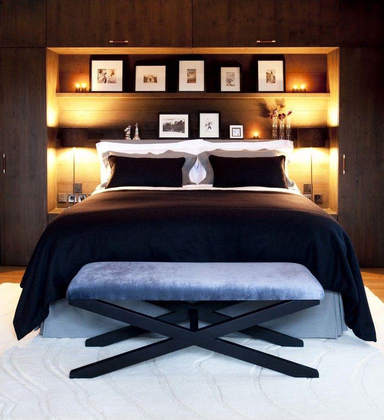 Большая функциональная и удобная полочка в спальне