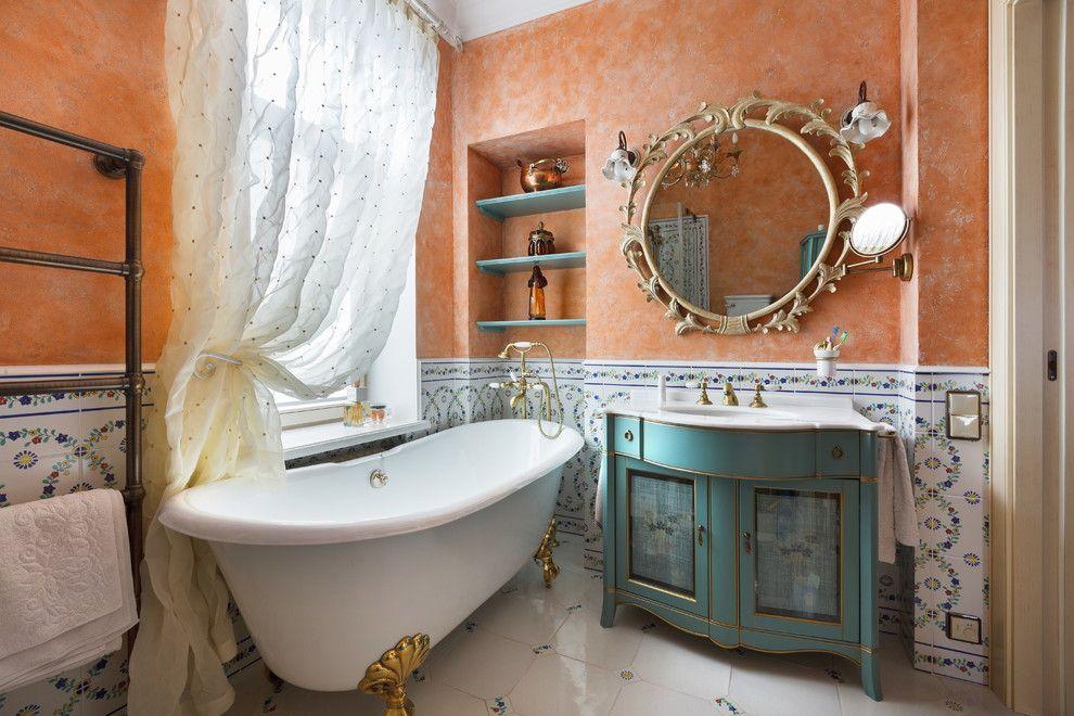 Ниша в ванной комнате для размещения косметических и арома средств