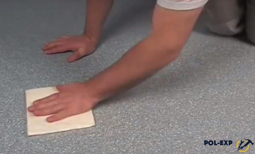 Обработка стыка мягкой влажной тканью