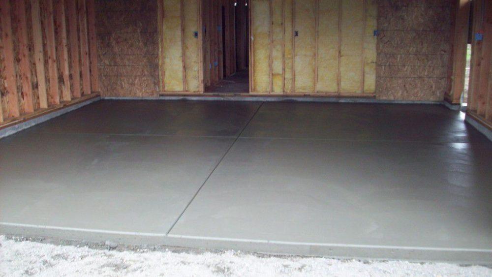Пол из бетона в гараже