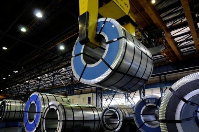 При производстве металлочерепицы применяется высококачественная сталь, служащая основой профильного листа