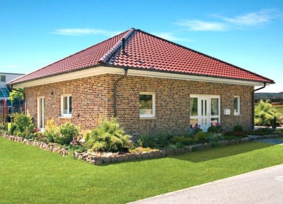 Пример дома с шатровой крышей
