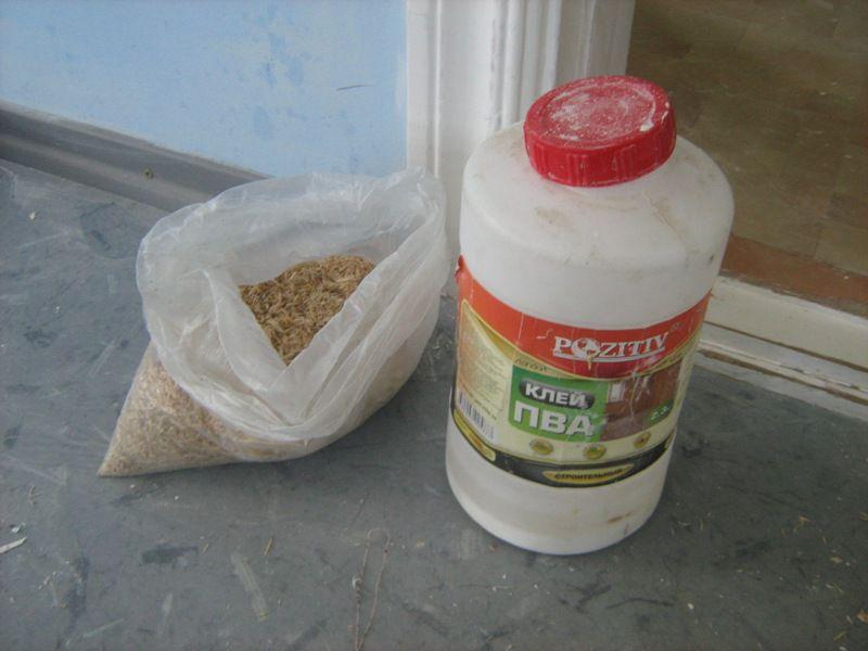 Шпаклевку можно заменить смесью опилок и клея