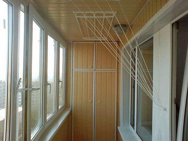 Внешний вид новых балконных сушилок стилизован под определенное направление интерьера