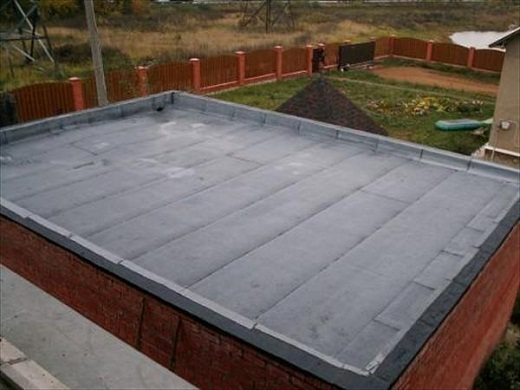 Бетонная крыша, покрытая рубероидом