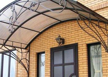Крыльцо для частного дома из металла: преимущества, виды конструкций и способы изготовления