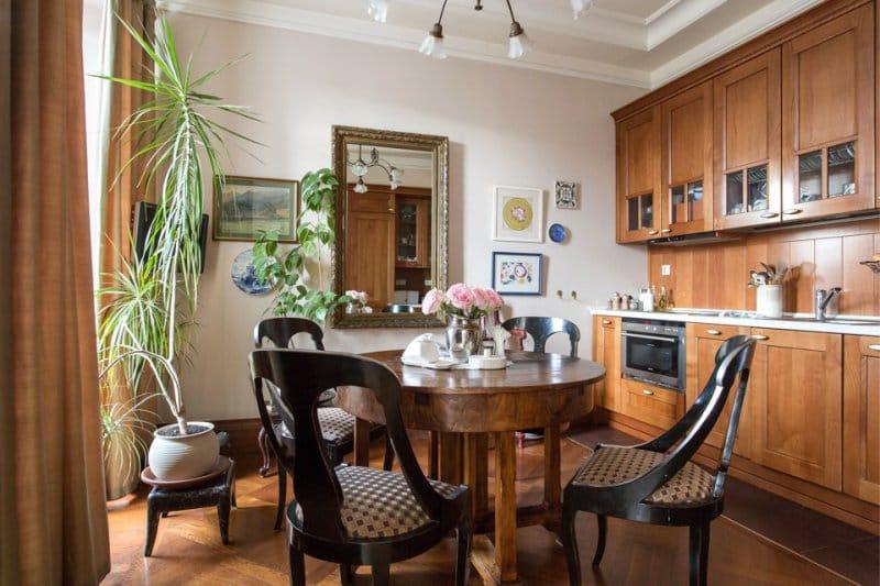 Деревянная классическая кухня
