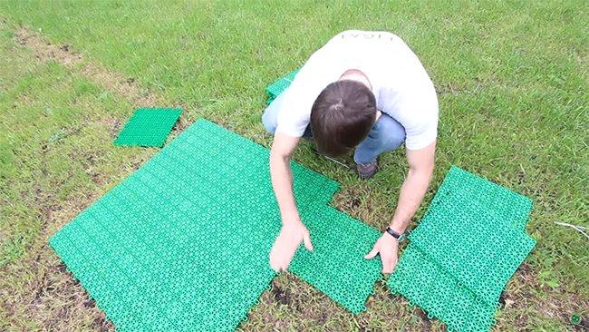 площадку из пластиковых плиток всегда можно убрать