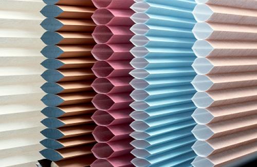 Двухслойные энергосберегающие гофрированные ткани для жалюзи плиссе