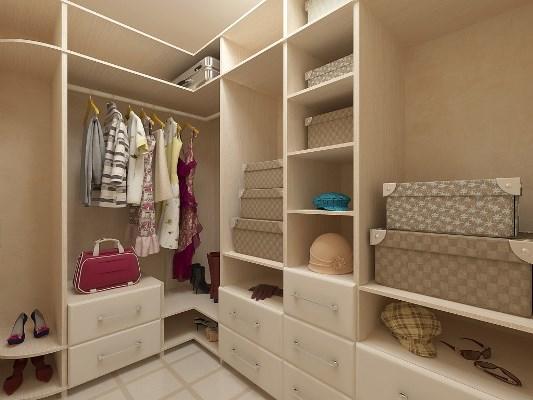 Даже маленькую гардеробную можно сделать практичной, удобной и вместительной