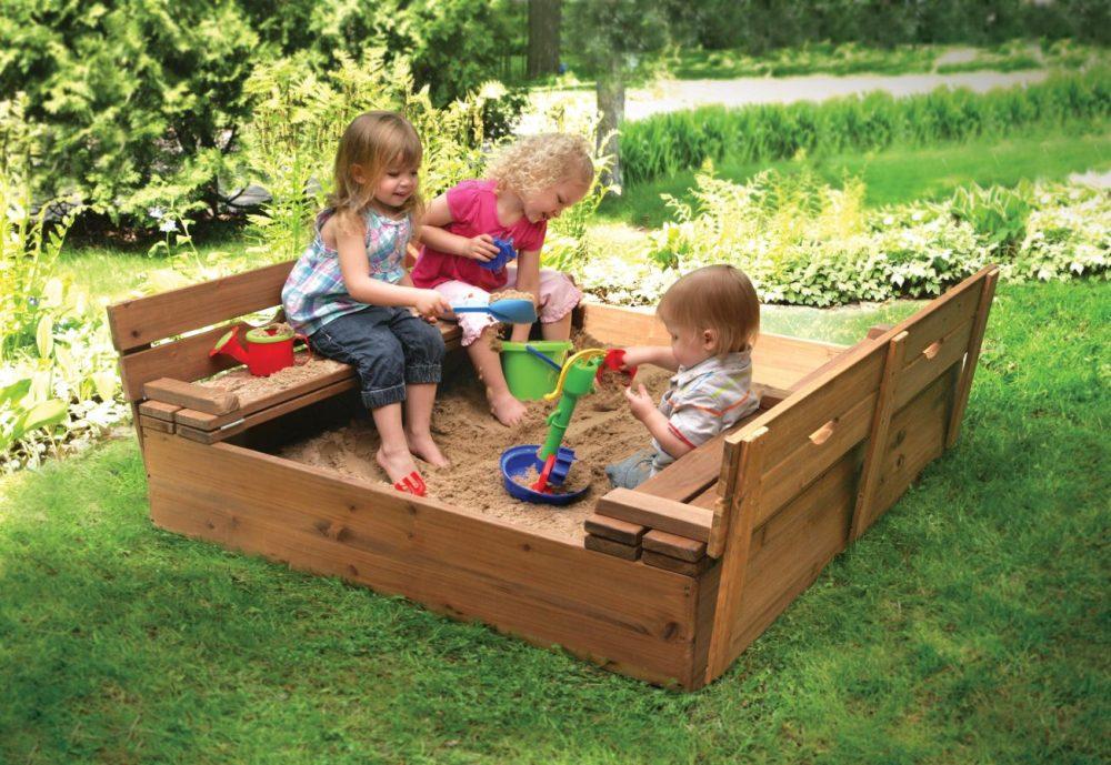 игровая песочница для детей на даче готовая конструкция