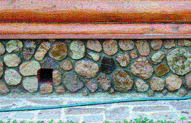 как сделать фундамент для дома из камня своими руками