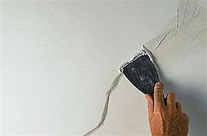 как заделать трещины на потолке фото 1